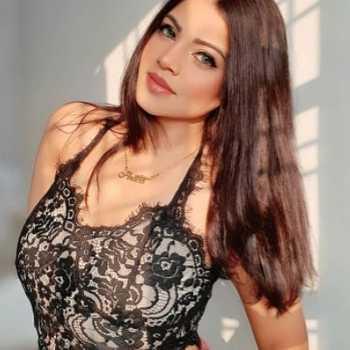 Celebrity Dr. Niharika Porwal (Arica) - Tring India