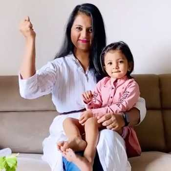 Celebrity Manya Solanki - Tring India