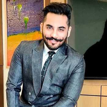 Celebrity Mohit Jadhwani - Tring India
