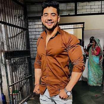 Celebrity Shahwez Saif - Tring India