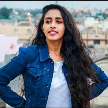 Celebrity Sushumna Sawargaonkar - Tring India