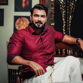 Celebrity Vivek Gopan - Tring India