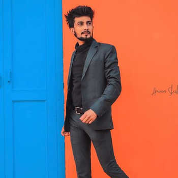 Celebrity Iliyas Belim - Tring India