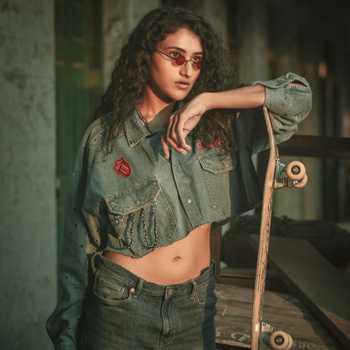 Celebrity Arshiya Arshi - Tring India