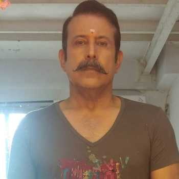 Celebrity Adi Irani - Tring India