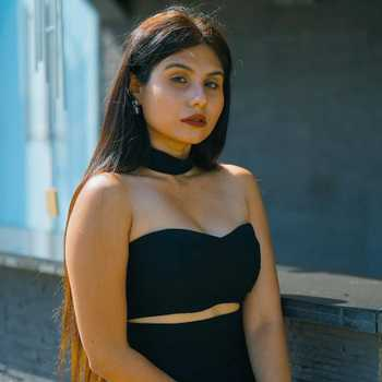 Celebrity Taniya Chatterjee - Tring India