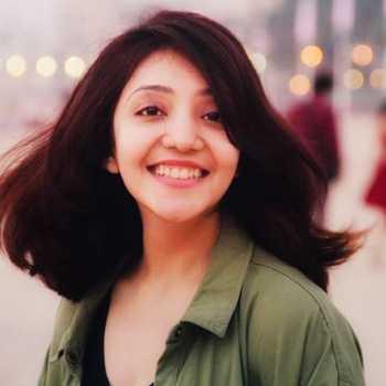 Celebrity Namrata Pathak - Tring India