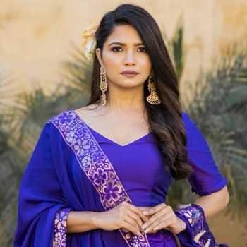 Celebrity Bhakti Kubavat - Tring India