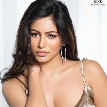 Celebrity Pooja Bisht - Tring India