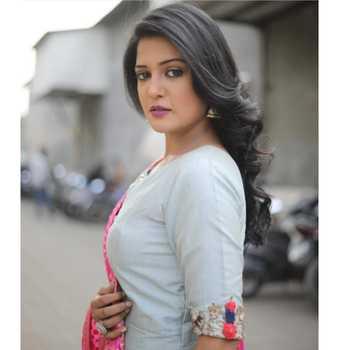 Celebrity Gulki Joshi - Tring India