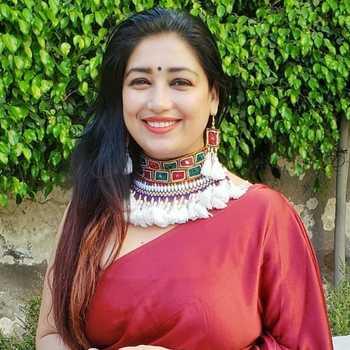 Celebrity Shiwangi Peswani - Tring India