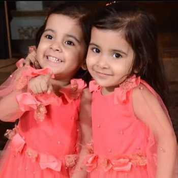 Celebrity Aashinya & Sianya - Tring India