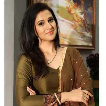 Celebrity Astha Agarwal - Tring India
