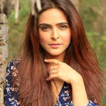 Celebrity Madhurima Tuli - Tring India