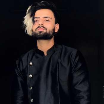 Celebrity Riyan Dhawan - Tring India