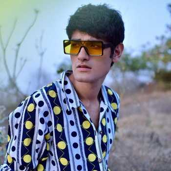 Celebrity Anil Singh - Tring India