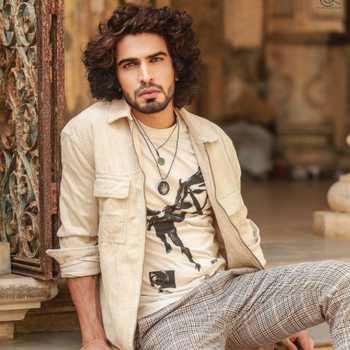 Celebrity Tapan Singh - Tring India
