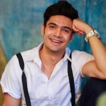 Celebrity Paras Tomar - Tring India