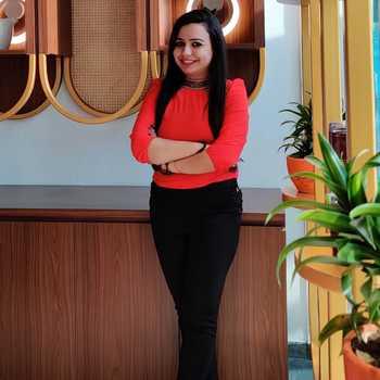 Celebrity Genia Chadha - Tring India
