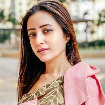 Celebrity Debashree Biswas - Tring India