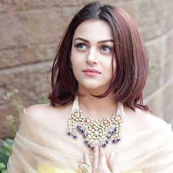 Celebrity Nehalaxmi Iyer - Tring India