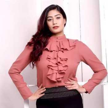 Celebrity Neetika Jaiswal - Tring India
