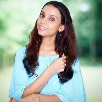 Celebrity Kshitija Saxena - Tring India