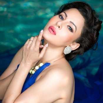 Celebrity Kavya Keeran - Tring India