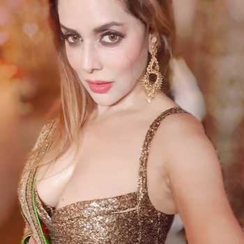 Celebrity Poonam Jhawer - Tring India