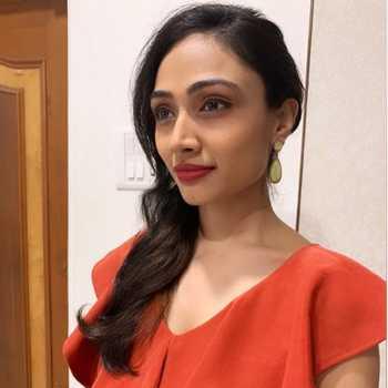 Celebrity Dipna Patel - Tring India