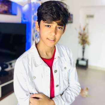 Celebrity Meet Mukhi - Tring India