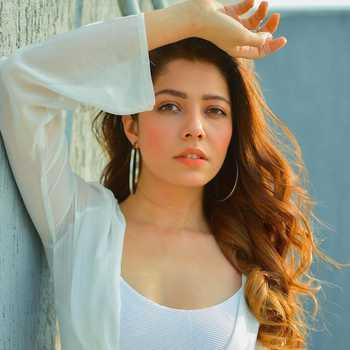 Celebrity Himani Sahani - Tring India