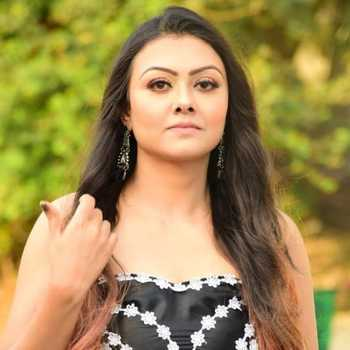 Celebrity Arina Dey - Tring India