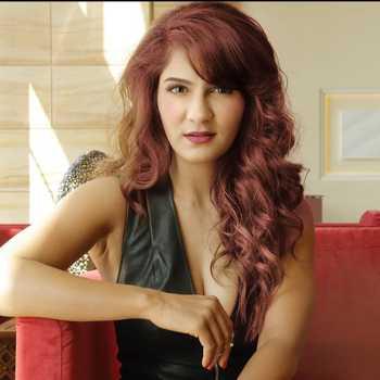 Celebrity Shivangi Sharma - Tring India