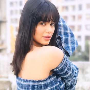 Celebrity Haelyn Shastri - Tring India