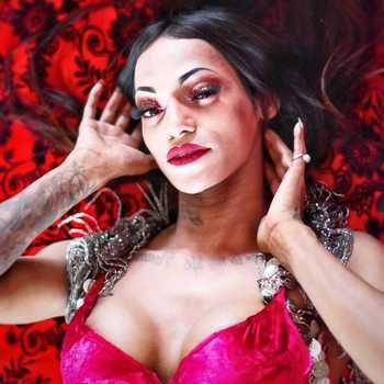 Celebrity Alex Mapeleena - Tring India