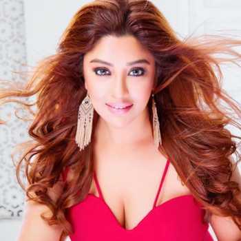 Celebrity Payal Ghosh - Tring India