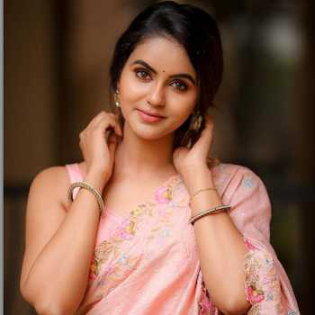 Celebrity Chaitra Reddy - Tring India