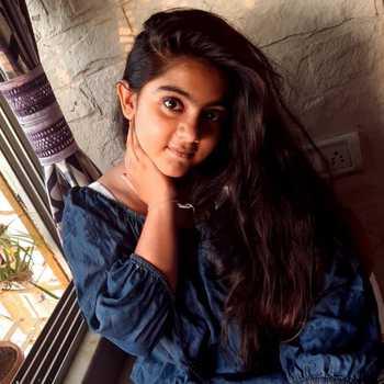 Celebrity Arsheen Namdar - Tring India