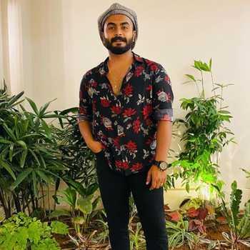 Celebrity Sooraj Suresh - Tring India