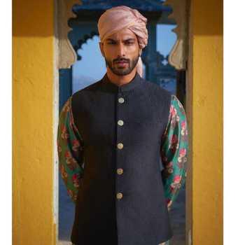 Celebrity Prateek Jain - Tring India
