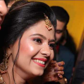 Celebrity Khyati Gupta - Tring India