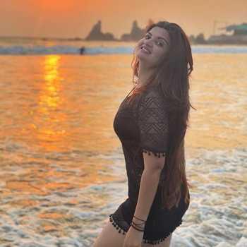 Celebrity Pooja Singh - Tring India
