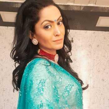 Celebrity Shivani Gosain - Tring India