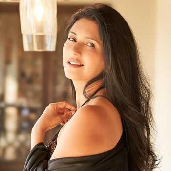 Celebrity Deepti Bhatnagar - Tring India