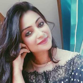Celebrity Aleeza Khan - Tring India