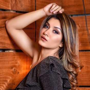 Celebrity Shefali Bagga - Tring India