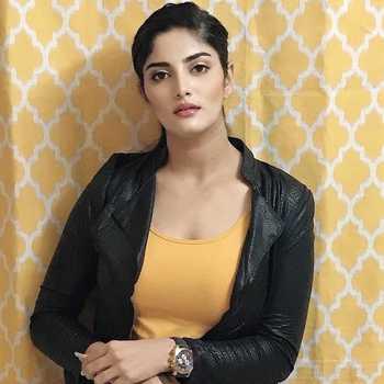 Celebrity Hardika Joshi - Tring India
