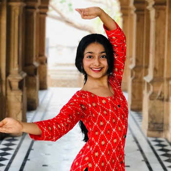 Celebrity Mansi Dhruv - Tring India