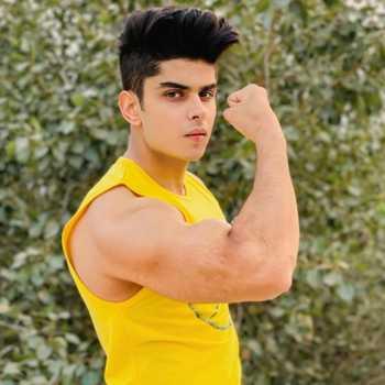 Celebrity Tejas Yadav - Tring India